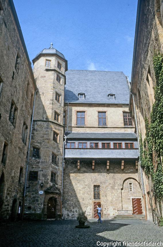 Marburg: Schloss--courtyard. Photo '87.