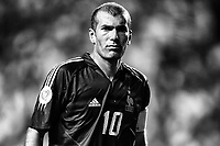 Zinedine Zidane of France reacts during the European Championship football match between France and England. France won 2-1 over England <br /> Lisbon 13/6/2004 Estadio da Luz <br /> Photo Andrea Staccioli Insidefoto
