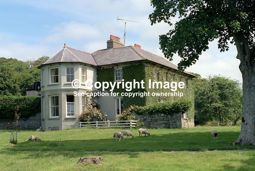 Murvagh House, home, Karl von Oppen, Flaume von Oppen, Laghey, Co Donegal, Rep of Ireland, 19840091MH..Copyright Image from Victor Patterson, 54 Dorchester Park, Belfast, UK, BT9 6RJ..Tel: +44 28 9066 1296.Mob: +44 7802 353836.Voicemail +44 20 8816 7153.Skype: victorpattersonbelfast.Email: victorpatterson@me.com.Email: victorpatterson@ireland.com (back-up)..IMPORTANT: If you wish to use this image or any other of my images please go to www.victorpatterson.com and click on the Terms & Conditions. Then contact me by email or phone with the reference number(s) of the image(s) concerned.