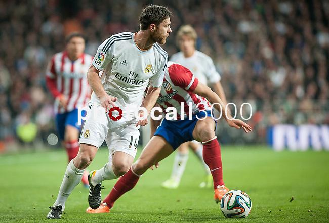 Santiago Bernabeu. Madrid. Spain. 05.02.2014. Football match between Real Madrid and Atletico de Madrid. Xabi Alonso