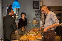 Europe,France,Ile-de-France,75011,Paris: Al taglio (pizze à la découpe): 2 bis, rue Neuve-Popincourt -  Olivier Papillon