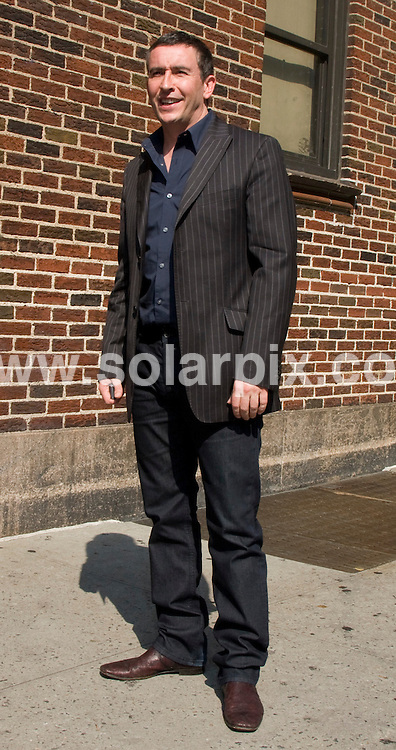 **ALL ROUND PICTURES FROM SOLARPIX.COM**.**SYNDICATION RIGHTS FOR UK, SPAIN, PORTUGAL, AUSTRALIA, S.AFRICA & DUBAI (U.A.E) ONLY**.Steve Coogan arrives at the Ed Sullivan Theatre for the filming of the TV chat show, The Late Show. New York City, NY, USA. 5th August 2008..JOB REF:  6974 PHZ/J Mayer    DATE: 05_08_2008.**MUST CREDIT SOLARPIX.COM OR DOUBLE FEE WILL BE CHARGED* *UNDER NO CIRCUMSTANCES IS THIS IMAGE TO BE REPRODUCED FOR ANY ONLINE EDITION WITHOUT PRIOR PERMISSION*