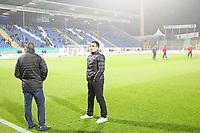 Trainer Kenan Kocak (SV Sandhausen) im Stadion, bei dem Verein, wo er als Fußballlehrer hospitierte - 17.11.2017: SV Darmstadt 98 vs. SV Sandhausen, Stadion am Boellenfalltor, 2. Bundesliga