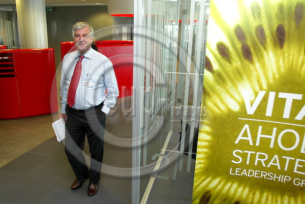 AMSTERDAM - BELGIUM - 04 JULY 2006 -- Anders MOBERG the CEO of Ahold, coming from a meeting at the Royal Ahold's Headquarters (HQ). PHOTO: ERIK LUNTANG / EUP-IMAGES