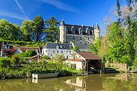 Indre-et-Loire (37), Montrésor, classé Les Plus Beaux Villages de France, maisons et le château le long de l'Indrois // Indre et Loire, Montresor, labelled Les Plus Beaux Villages de France (The Most beautiful<br /> Villages of France), houses and castle along Indrois river