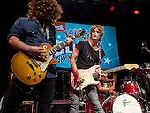 TYLER BRYANT AND THE SHAKEDOWN (2012)