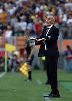 Calcio, Serie A: Lazio vs Roma. Roma, stadio Olimpico, 25 maggio 2015.<br /> Lazio coach Stefano Pioli gestures during the Italian Serie A football match between Lazio and Roma at Rome's Olympic stadium, 25 May 2015.<br /> UPDATE IMAGES PRESS/Isabella Bonotto