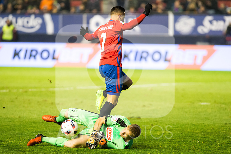 "Club Atletico Osasuna's Sergio LEon Eibar's Yoel Rodriguez during the match of ""Copa del Rey"" between CA Osasuna and Eibar at El Sadar Stadium in Pamplona. January 03 2017. (ALTERPHOTOS/Rodrigo Jimenez)"