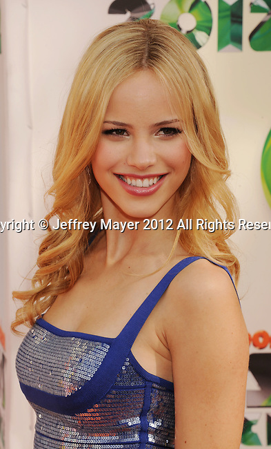 LOS ANGELES, CA - MARCH 31: Halston Sage arrives at the 2012 Nickelodeon Kids' Choice Awards at Galen Center on March 31, 2012 in Los Angeles, California.