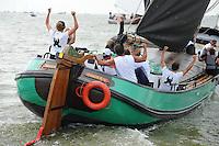ZEILEN: LEMMER: Lemster baai, 31-07-2014, SKS skûtsjesilen, winnaar skûtsje De Sneker Pan, Sneek, schipper Douwe Jzn. Visser, ©foto Martin de Jong