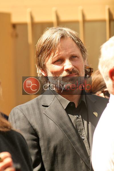Viggo Mortensen<br /> at the Hollywood Walk of Fame induction ceremony for Dennis Hopper, Hollywood Blvd., Hollywood, CA. 03-26-10<br /> David Edwards/Dailyceleb.com 818-249-4998