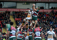 Wasps' Nizaam Carr under pressure from Leicester Tigers' George Worth<br /> <br /> Photographer Hannah Fountain/CameraSport<br /> <br /> Gallagher Premiership - Leicester Tigers v Wasps - Saturday 2nd March 2019 - Welford Road - Leicester<br /> <br /> World Copyright © 2019 CameraSport. All rights reserved. 43 Linden Ave. Countesthorpe. Leicester. England. LE8 5PG - Tel: +44 (0) 116 277 4147 - admin@camerasport.com - www.camerasport.com