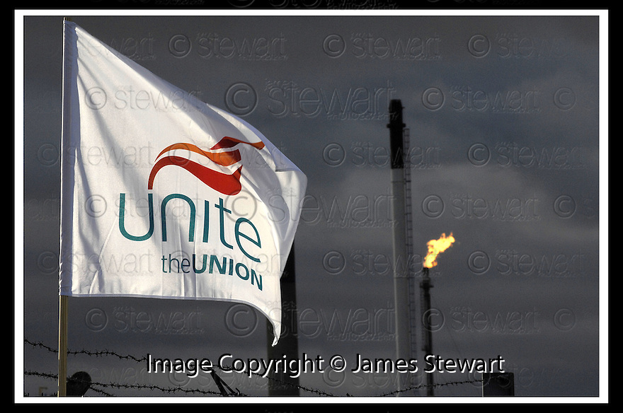 13/06/2008   Copyright Pic: James Stewart.File Name : sct_07_grangemouth.A UNITE UNION FLAG FLIES ABOVE THE GRANGEMOUTH REFINERY AS SHELL DRIVERS START THEIR FOUR DAY STRIKE....James Stewart Photo Agency 19 Carronlea Drive, Falkirk. FK2 8DN      Vat Reg No. 607 6932 25.Studio      : +44 (0)1324 611191 .Mobile      : +44 (0)7721 416997.E-mail  :  jim@jspa.co.uk.If you require further information then contact Jim Stewart on any of the numbers above........