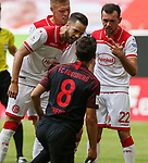Niko Gießelmann (F95), Rouwen Hennings (F95), Kevin Stoeger (F95), Rani Khedira (FCA)<br /><br />Fussball 1. Bundesliga, 33.Spieltag, Fortuna Duesseldorf (D) -  FC Augsburg (A), am 20.06.2020 in Duesseldorf/ Deutschland. <br /><br />Foto: AnkeWaelischmiller/Sven Simon/ Pool/ via Meuter/Nordphoto<br /><br /># Editorial use only #<br /># DFL regulations prohibit any use of photographs as image sequences and/or quasi-video #<br /># National and international news- agencies out #