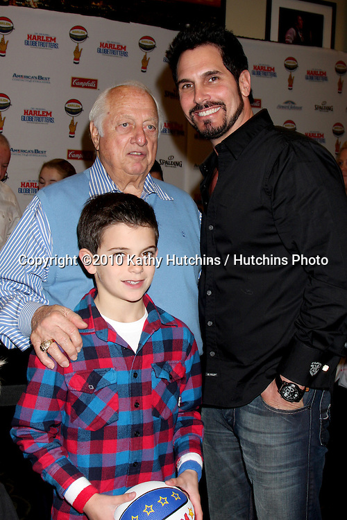 Tommy Lasorda with Don Diamont & Son.at the Harlem Globetrotters Game .Staples Center.Los Angeles, CA.February 14, 2010.©2010 Kathy Hutchins / Hutchins Photo....