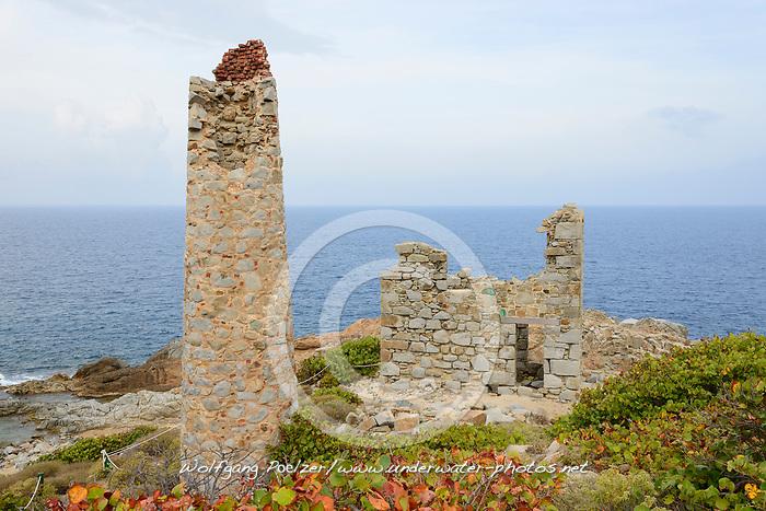 Ruinen der Kupfermine, The ruins at Copper Mine point, Nationalpark, Insel Virign Gorda, Britische Jungferninseln, Karibik, National park, Virgin Gorda Island, British Virgin Islands, Caribbean