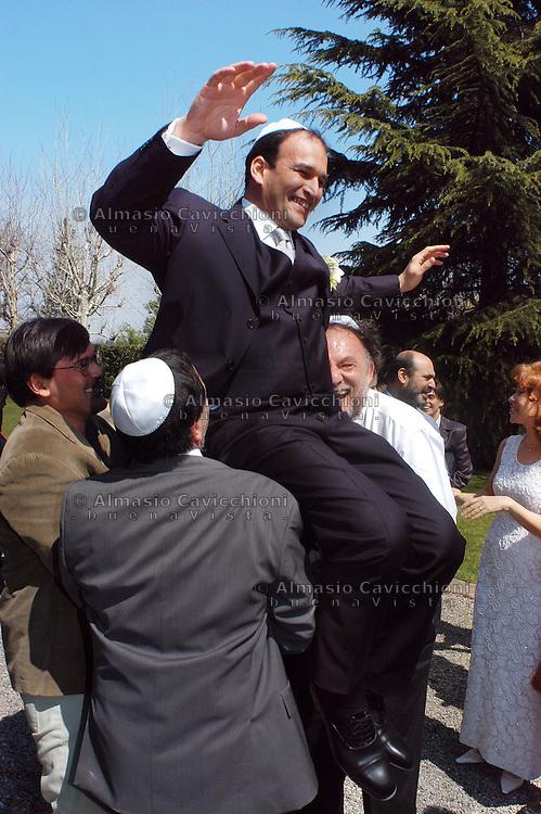 Milano: comunità ebraica, matrimonio con rito riformato.Milan: Jewish community,  wedding ceremony celebrated with the reformed rite..