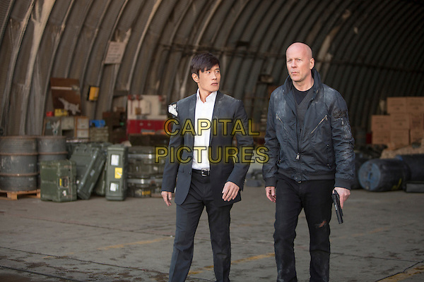 BYUNG HUN LEE &amp; BRUCE WILLIS <br /> in Red 2 (2013) <br /> *Filmstill - Editorial Use Only*<br /> CAP/FB<br /> Image supplied by Capital Pictures