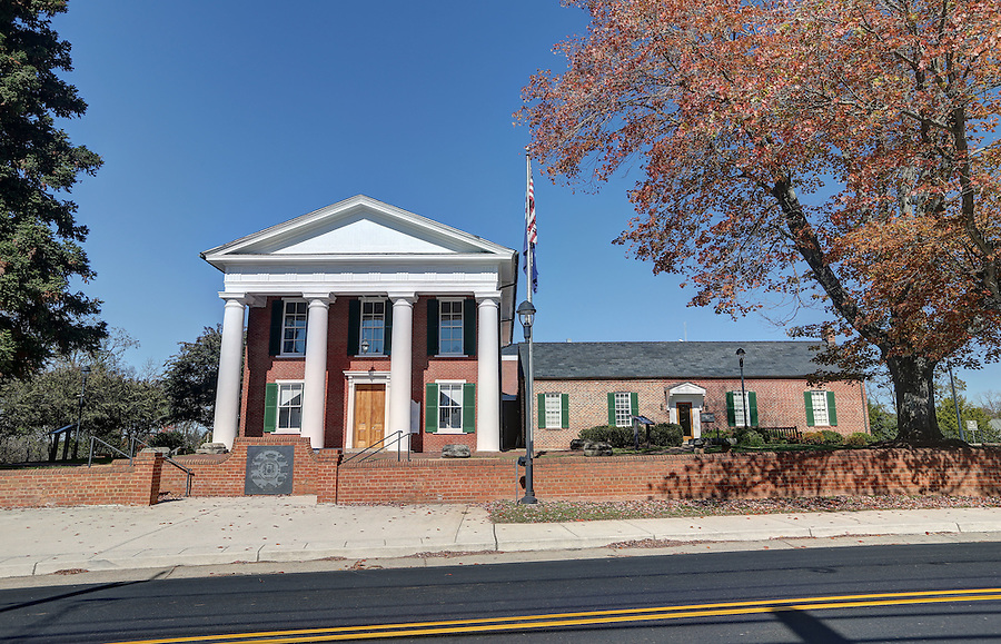 Historical Buckingham County Courthouse located in Buckingham County, Va. Photo/Andrew Shurtleff