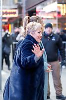 NOVA YORK, EUA, 12.12.2018 - CELEBRIDADES-EUA - A cantora Jennifer Lopez acompanhada da suamãe,Guadalupe Rodriguez é vista chegando à um programa de televisão na região da Times Square em Nova York nos Estados Unidos nesta quarta-feira, 12. (Foto: Vanessa Carvalho/Brazil Photo Press)