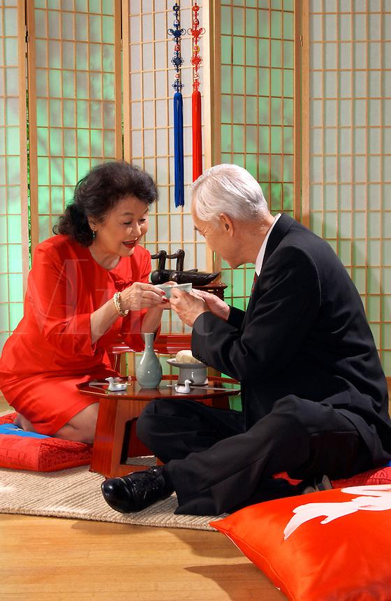 Japaneses couple having tea.