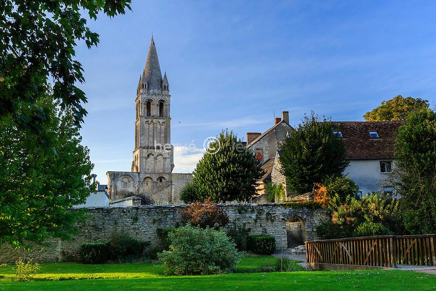 France, région du Berry, Indre (36), Déols, le clocher de l'abbaye Notre-Dame-de-Déols // France, Indre, Deols, Notre Dame de Deols church