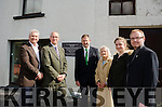 DEV's GRANDSON UNVEILS TRIBUTE TO HIS GRANDFATHER's SECRETARY:<br /> Grandson of &Eacute;amon De Valera, TD Eamon &Oacute; Cu&iacute;v unveils a plaque to commemorate the house of Kathleen O'Connell, his grandfather's secretary, in Caherdaniel village.<br /> Pictured with Deputy &Oacute; Cu&iacute;v are Kathleen O'Connell's extended family with (l-r) Kevin and Conor O'Kelly (grand nephews), Kathleen O'Farrell (nee O'Kelly, niece), Sabhdh O'Kelly (great grand niece) and Eamon O'Kelly (grand nephew).