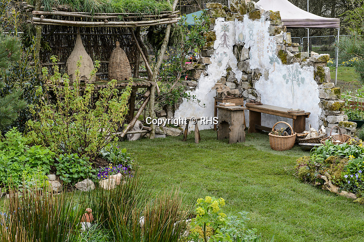 The Physicians of Myddfai's Magical Medical Garden. Designed by Heronsbridge & Ysgol Bryn Castell School pupils with Anthea Guthrie.  RHS Flower Show Cardiff 2016.