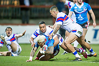Picture by Allan McKenzie/SWpix.com - 09/02/2018 - Rugby League - Betfred Super League - Wakefield Trinity v Salford Red Devils - The Mobile Rocket Stadium, Wakefield, England - Junior Sa'u is tackled by Reece Lyne and Tinirau Arona.