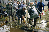 Europe/France/Limousin/23/Creuse/Env Bourganeuf : Pêche à l'étang de la Bassat<br /> PHOTO D'ARCHIVES // ARCHIVAL IMAGES<br /> FRANCE 1990