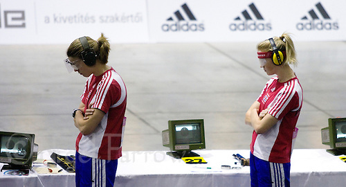 31 MAY 2008 - BUDAPEST, HUN - Georgina Harland (GBR) and Katy Livingston (GBR) wait to take their next shot - Modern Pentathlon World Championships. (PHOTO (C) NIGEL FARROW)