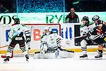 Stockholm 2014-03-27 Ishockey Kvalserien Djurg&aring;rdens IF - R&ouml;gle BK :  <br /> R&ouml;gles Kevin Lindskoug sl&auml;pper in 1-0 av Djurg&aring;rdens Emil Lundberg <br /> (Foto: Kenta J&ouml;nsson) Nyckelord:  DIF Djurg&aring;rden R&ouml;gle RBK Hovet