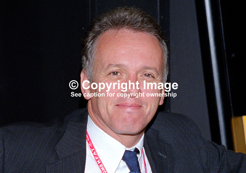 Noel Thompson, broadcaster, reporter, journalist, BBC, N Ireland, at 1999 UK Labour Party Conference. 199909314..Copyright Image from Victor Patterson, 54 Dorchester Park, Belfast, UK, BT9 6RJ..Tel: +44 28 9066 1296.Mob: +44 7802 353836.Voicemail +44 20 8816 7153.Skype: victorpattersonbelfast.Email: victorpatterson@me.com.Email: victorpatterson@ireland.com (back-up)..IMPORTANT: If you wish to use this image or any other of my images please go to www.victorpatterson.com and click on the Terms & Conditions. Then contact me by email or phone with the reference number(s) of the image(s) concerned.