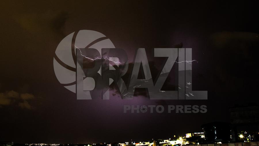 SAO PAULO, SP - 01.03.2017 - CLIMA-SP - Chuva de raios cobre a zona sul da cidade de S&atilde;o Paulo na noite desta quarta-feira (01). <br /> (Foto: Fabricio Bomjardim / Brazil Photo Press)