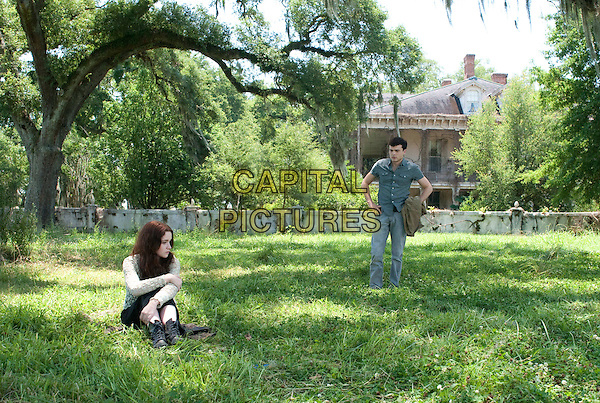 Alice Englert, Alden Ehrenreich<br /> in Beautiful Creatures (2013) <br /> *Filmstill - Editorial Use Only*<br /> CAP/NFS<br /> Image supplied by Capital Pictures
