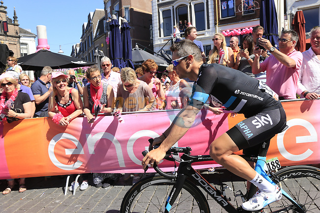 Nicolas Roche (IRL) Team Sky arrives at sign on before the start of Stage 3 of the 2016 Giro d'Italia running 190km from Nijmegen to Arnhem, The Nethrerlands. 8th May 2016.<br /> Picture: Eoin Clarke | Newsfile<br /> <br /> <br /> All photos usage must carry mandatory copyright credit (&copy; Newsfile | Eoin Clarke)