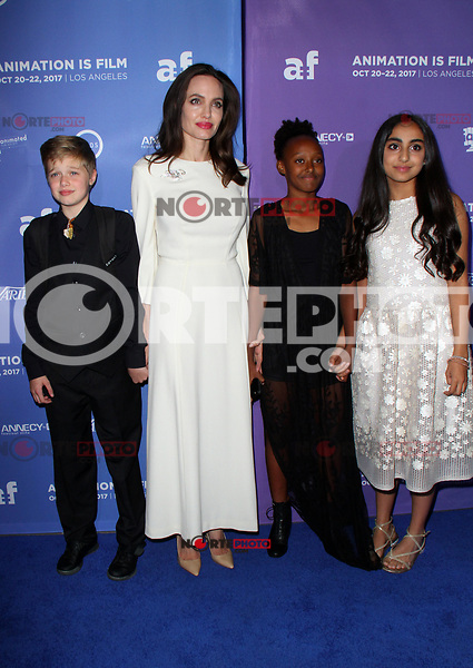 HOLLYWOOD, CA - OCTOBER 20:  Angelina Jolie, Saara Chaudry, Shiloh Jolie-Pitt, Zahara Jolie-Pitt, at Premiere Of Gkids' 'The Breadwinner' At TCL Chinese 6 Theatres in Hollywood, California on October 20, 2017. Credit: Faye Sadou/MediaPunch /NortePhoto.com