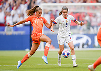 20190707 - LYON , FRANCE : American Kelley O Hara pictured in a duel with Dutch Lieke Martens (left) during the female soccer game between The United States of America – USA-  and the Netherlands – Oranje Leeuwinnen -, the final  of the FIFA Women's  World Championship in France 2019, Sunday 7 th July 2019 at the Stade de Lyon  Stadium in Lyon  , France .  PHOTO SPORTPIX.BE | DAVID CATRY