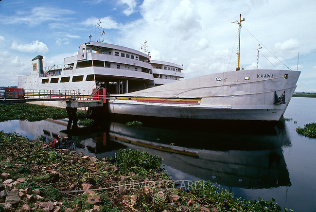 Uganda, Victoria, lake, ferry, boat, commerce, transportation, trade, coffee, coffea,