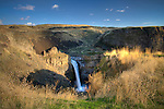 Washington, Eastern. Palouse Falls. The Palouse River plunges over a rock escarpment and through a canyon carved by the Lake Missoula Floods.