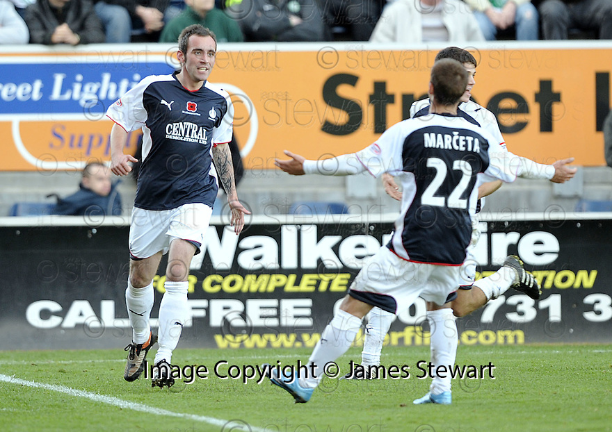 08/11/2009  Copyright  Pic : James Stewart.sct_jspa29_falkirk_v_celtic  . :: MARK STEWART CELEBRATES SCORING FALKIRK'S THIRD :: .James Stewart Photography 19 Carronlea Drive, Falkirk. FK2 8DN      Vat Reg No. 607 6932 25.Telephone      : +44 (0)1324 570291 .Mobile              : +44 (0)7721 416997.E-mail  :  jim@jspa.co.uk.If you require further information then contact Jim Stewart on any of the numbers above.........