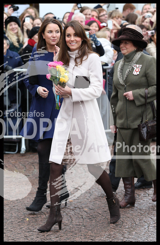 The Duchess of Cambridge arriving at the Senate House in Cambridge, Wednesday , 28th November 2012. .Photo by: Stephen Lock /i-Images / DyD Fotografos