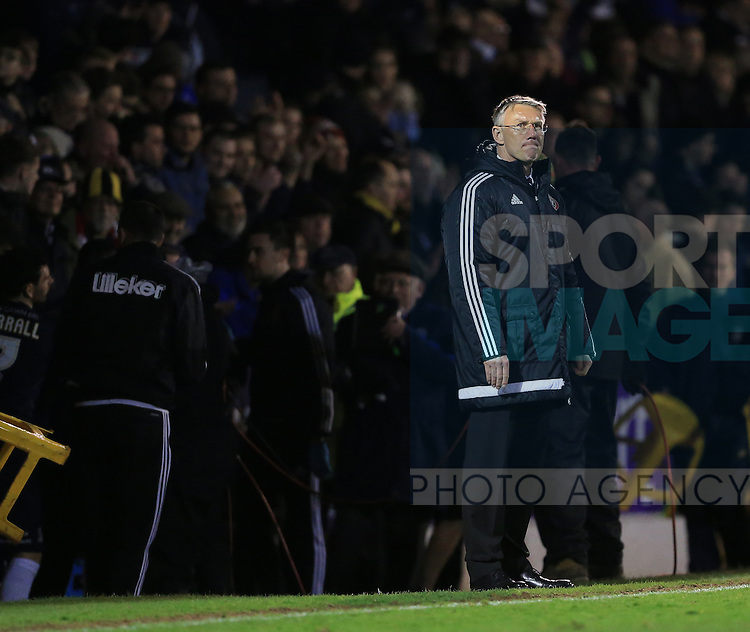 Sheffield United's Nigel Adkins looks on dejected at the final whistle during the League One match at Roots Hall Stadium.  Photo credit should read: David Klein/Sportimage