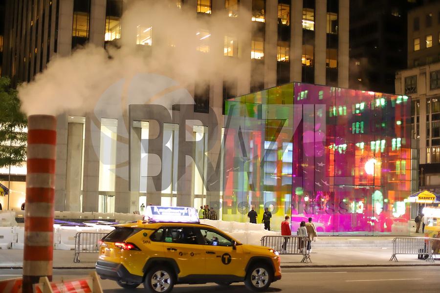 NOVA YORK, EUA, 07.09.2019 - APPLE-EUA - Vista do cubo de vidro da loja da Apple da Quinta Avenida que estava em obras desde 2017 em Nova York nos Estados Unidos neste sábado, 07. (Foto: William Volcov/Brazil Photo Press)