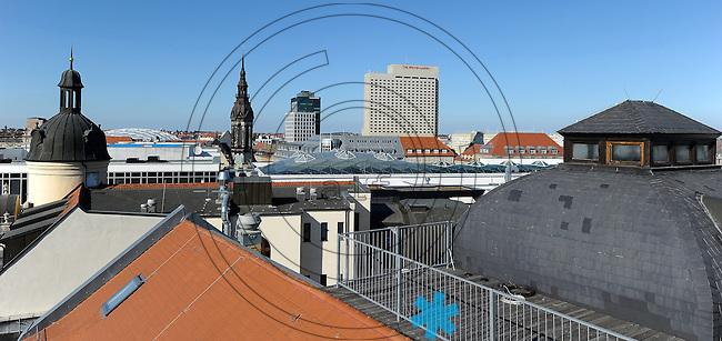 Blick über die Dächer der Innenstadt - Höfe am Brühl, Westin, Lutherisch-reformierte Kirche, Landesbank , Sachsen LB, Sachsenbank,  Zentrum Nordwest. Foto: Norman Rembarz