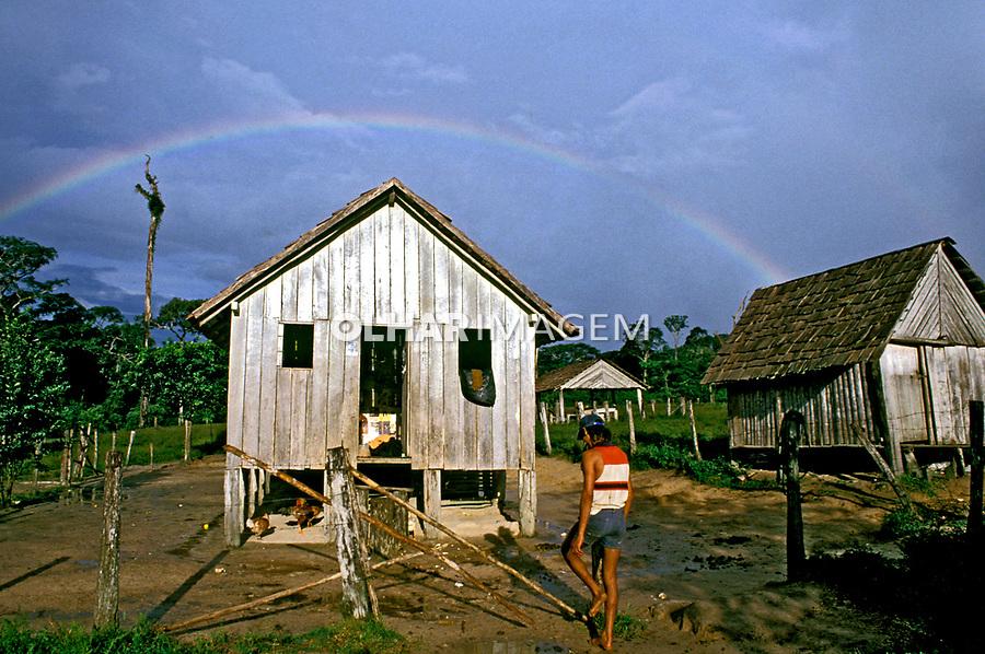 Casa de seringueiro. Xapuri, Acre. 1998. Foto de Ricardo Azoury.