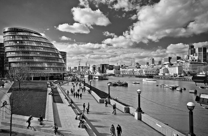 Londyn, 2009-03-06. More London - nowe centrum administracyjne miasta