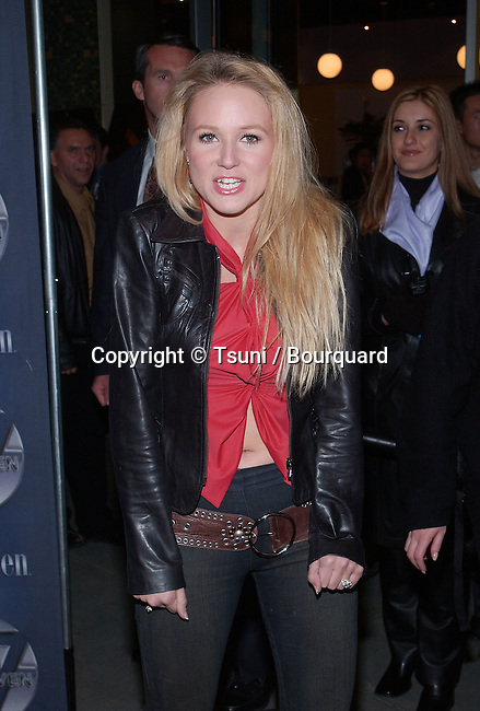 Jewel at the opening of One Seven at Hollywood & Highland in Los Angeles, Ca. Friday, November 30,  2001.          -            Jewell02.jpg