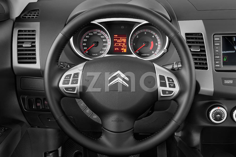 Steering wheel view of a 2007 - 2012 Citroen C-CROSSER Exclusive  SUV 4WD