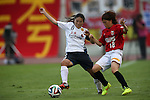 (L to R) Homare Sawa (INAC), Hanae Shibata (Reds Ladies),<br /> AUGUST 17,2014 - Football / Soccer : 2014 Nadeshiko League, between Urawa Reds Ladies 0-1 INAC KOBE LEONESSA at Urawakomaba Stadium, Saitama, Japan. (Photo by Jun Tsukida/AFLO SPORT)